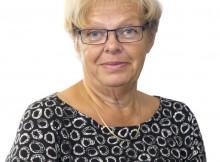 """Foto: Infoteamet, Region Gotland Karin Lindvall är koordinator för Almedalsveckan och älskar sitt uppdrag. """"Det är det roligaste jag vet"""" säger hon och uppskattar alla olika människor hon får träffa."""